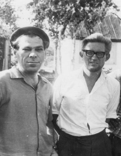 На фото: И.Басаргин и Г. Михайлов, Кавалерово, 60-е годы XX века.